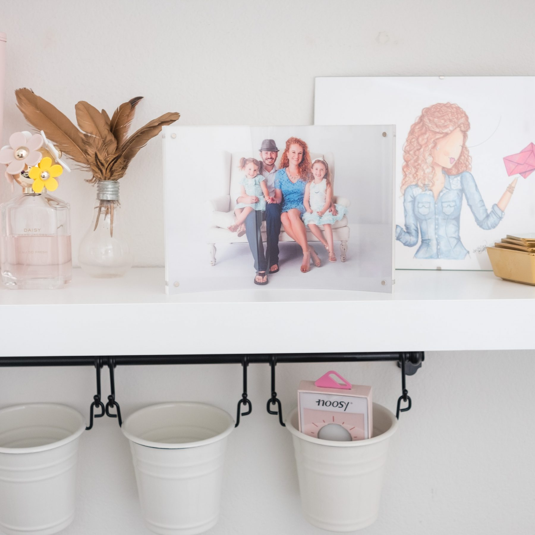 Subscription box for pictures